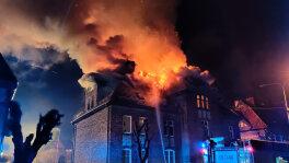 Ogień strawił dach