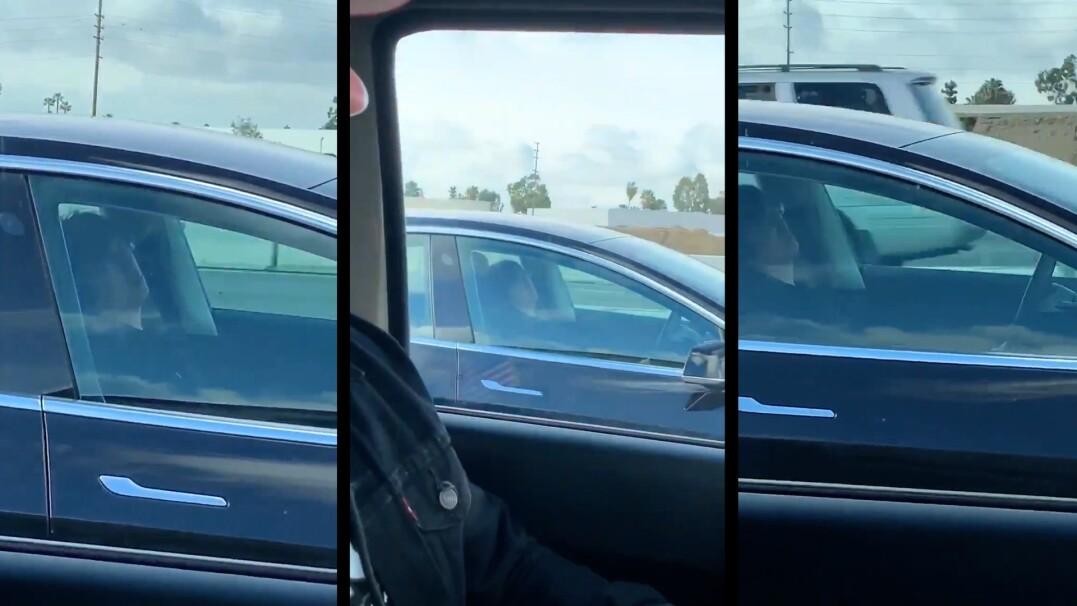 Zasnął za kierownicą, samochód prowadził autopilot