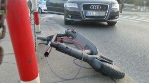 Auto zderzyło się z elektryczną hulajnogą. Kobieta trafiła do szpitala