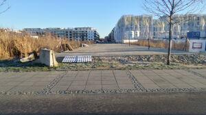 Poprawią chodnikowy bubel? Dzielnica rozmawia z inwestorem