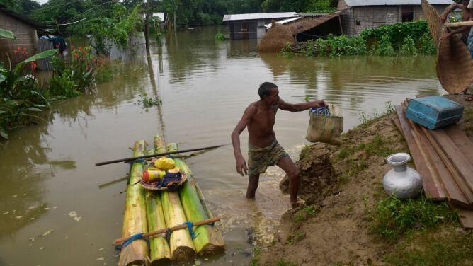 """Rośnie bilans ofiar ulewnego deszczu. <br />""""Sytuacja jest bardzo poważna"""""""