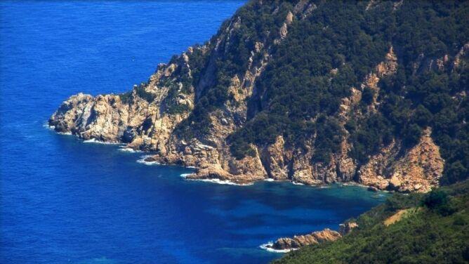 Elba kusi turystów. W przypadku majowego deszczu zwrot pieniędzy za hotel