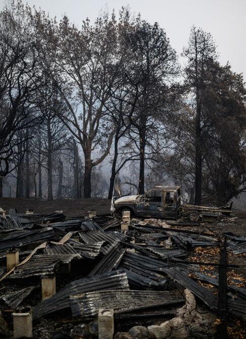 Pożar zniszczył setki budynków (PAP/EPA/JAMES GOURLEY)
